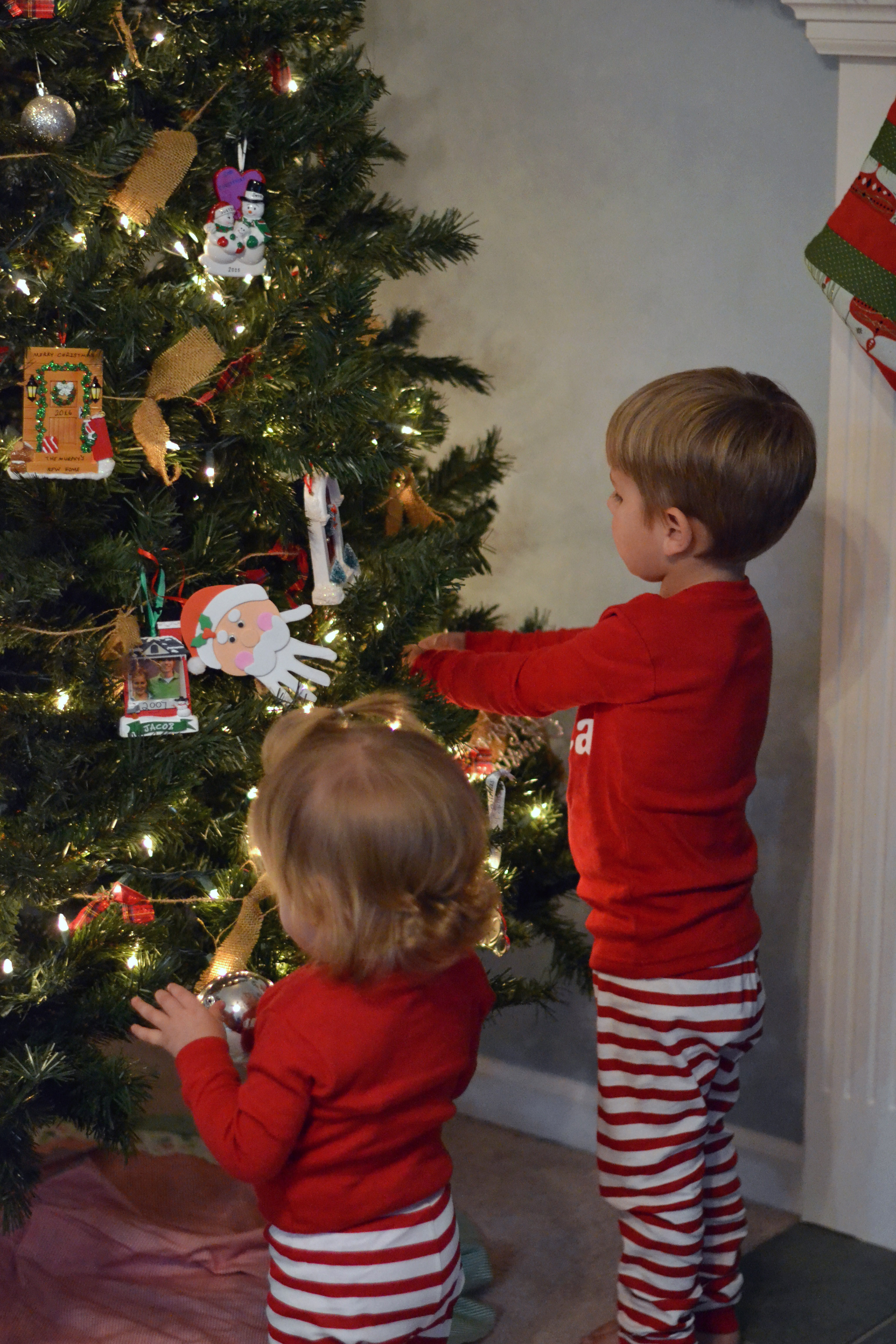 decorating for Christmas with toddlers