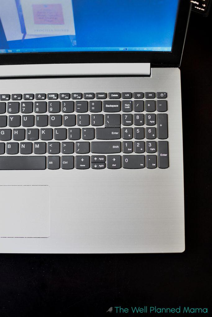 Computer that needs a computer declutter